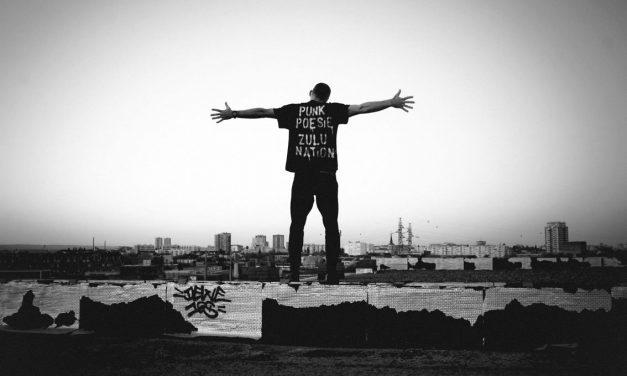 """LETO PUNK POESIE – """"Regarde-nous"""" – Clip + Interview"""