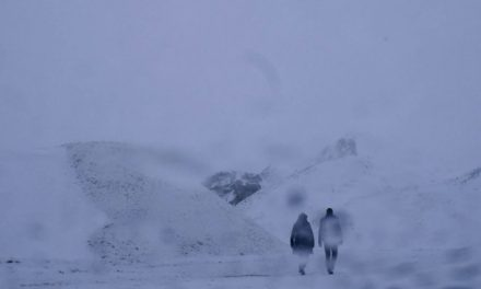 Le feu sous la glace – Anaïs Blanchard réalise le clip d'Emilie Zoé